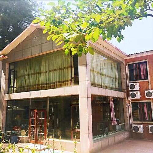 Lazy Bone International Hostel, Dalian