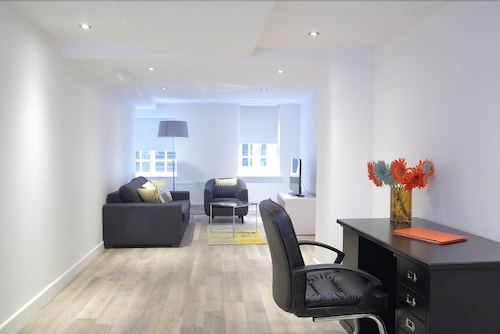 Smart City Apartments Spitalfields, London