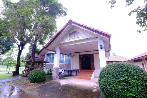 Chomdao Hotel & Resort, Sawang Daen Din