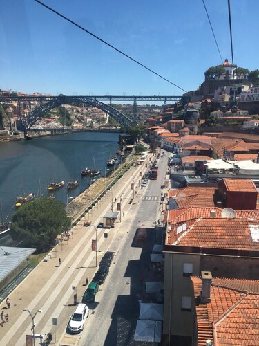 Modern 1-Bedroom Apartment Just Outside Of Porto With 2 Terraces And Views Of The City And Sea!, Vila Nova de Gaia