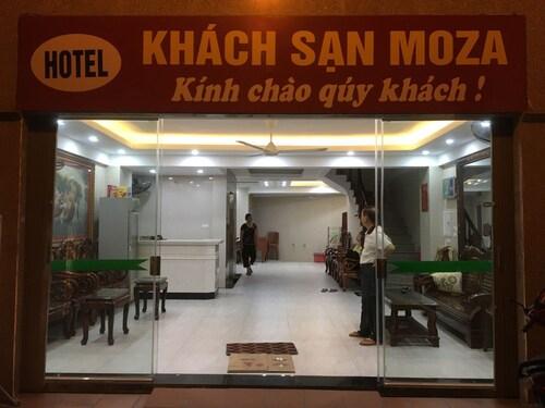 Moza Hotel, Cầu Giấy