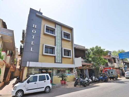Laljis Hotel, Ahmadabad