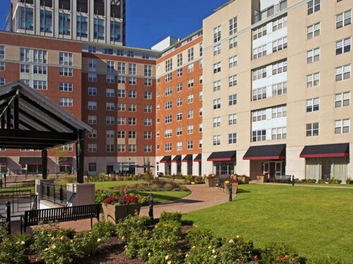 Global Luxury Suites at Downtown Providence, Providence