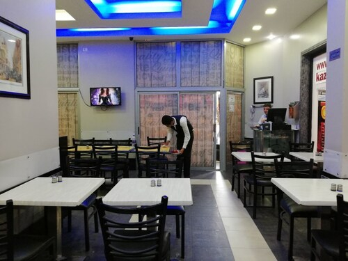 Atlas Hotel, 'Abdin