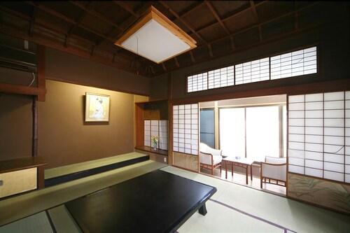 Suigetsuro Hotel, Tonami