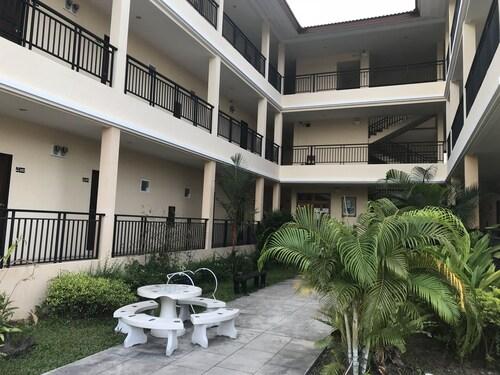Richmond Apartments, Bang Lamung