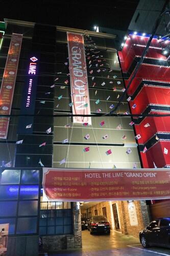 Lime Hotel, Seo