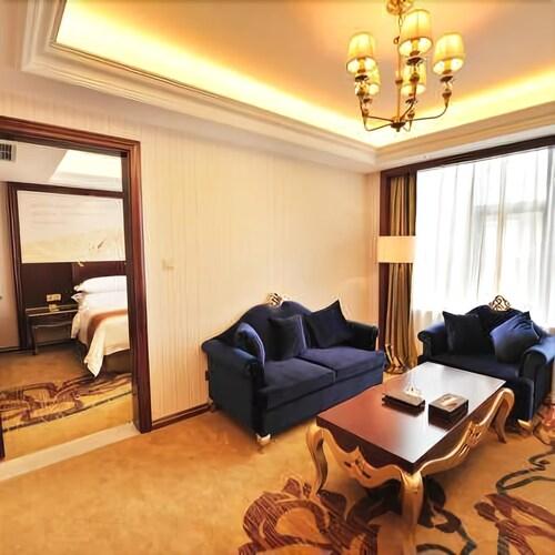 Vienna International Hotel, Bazhong