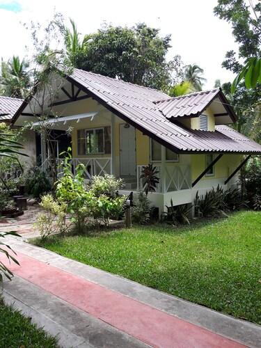 Baansuansabai Ploenpanmai Resort, Amphawa