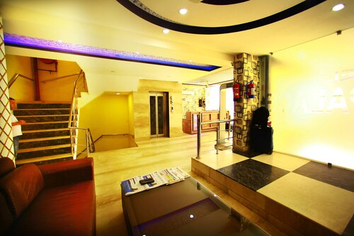 Airport Hotel IBY, West