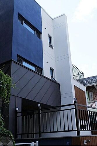 Lia House, Geumjeong