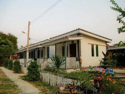Muang Pho Resort, Muang Sukhothai