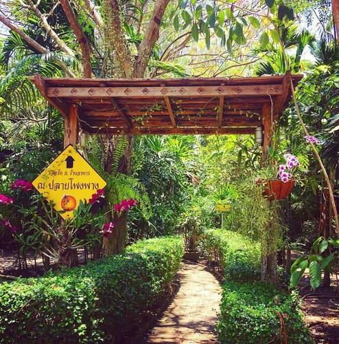 Naplaiphongphang Resort, Bang Khon Ti