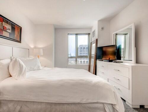 Global Luxury Suites In Rosslyn, Arlington