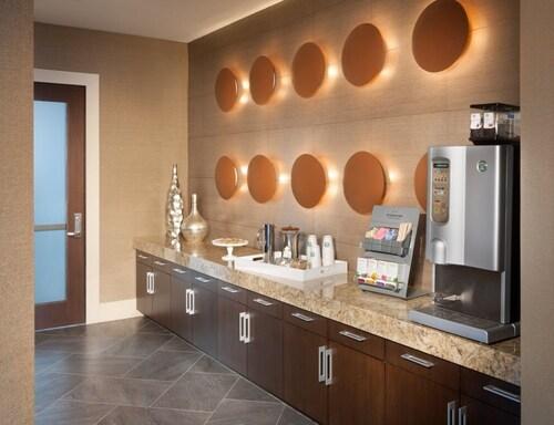 Global Luxury Suites at Hidden Creek, Fairfax