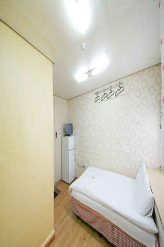 Guest House Myeongdong, Jung