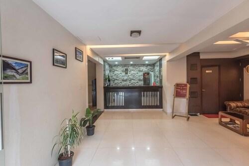 OYO 6833 Hotel Tanish Residency, Raigarh