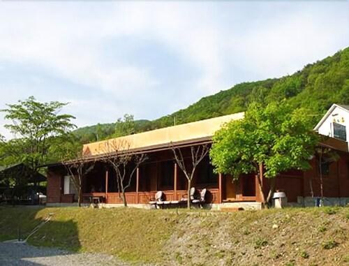Danyang Palgyeong Pension, Danyang