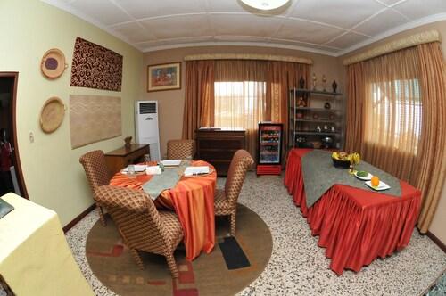 Mokos Bed & Breakfast, Greater Monrovia