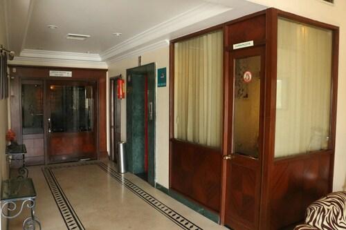 OYO 1898 Hotel Aditya, Ludhiana