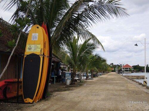 Papa Kit's Marina Resort, Liloan