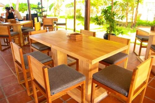 The Secret Garden at Otres Beach Hotel, Mittakpheap