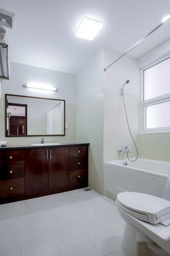 Poonsa Serviced Apartment, Quận 3