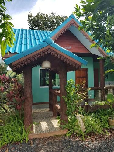 Raiphetpradabfah Resort, Khao Kho