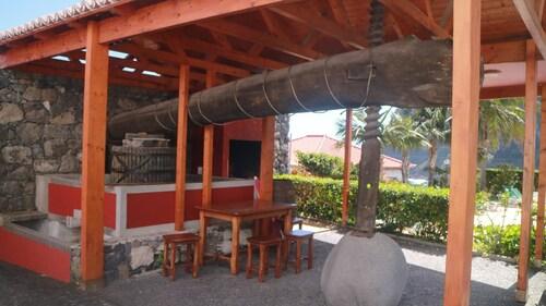 Studio In Ponta Delgada, With Wonderful Sea View, Pool Access, Furnish, São Vicente