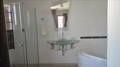 Jin Xin Guest House, Windhoek Rural