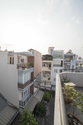 Urban House Saigon Masion, Quận 1