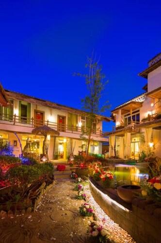 Lugu Lake Shilily Hotel Zai Li Ge Le, Lijiang