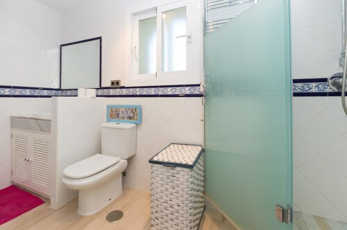 Apartment With 3 Bedrooms In Marbella, With Wonderful Sea View, Pool A, Málaga