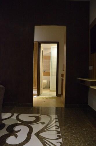 Hotel Melrose Inn, Aligarh