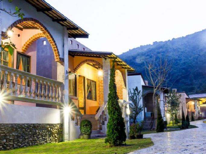 Stamp Hills Resort, Suan Phung