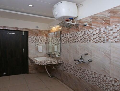 Oyo 5449 Hotel Sbd Guest House, Gorakhpur