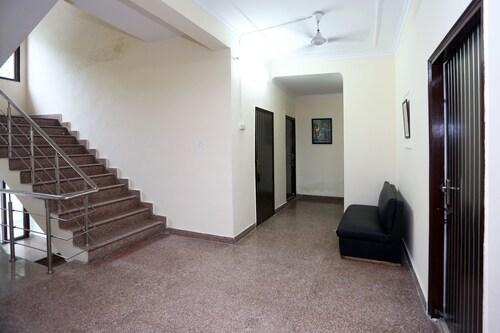OYO 9708 Sector 71, Gautam Buddha Nagar