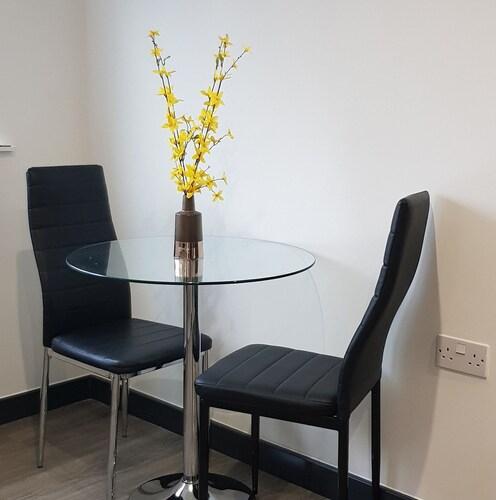 Peace Apartments  - Luton, Luton