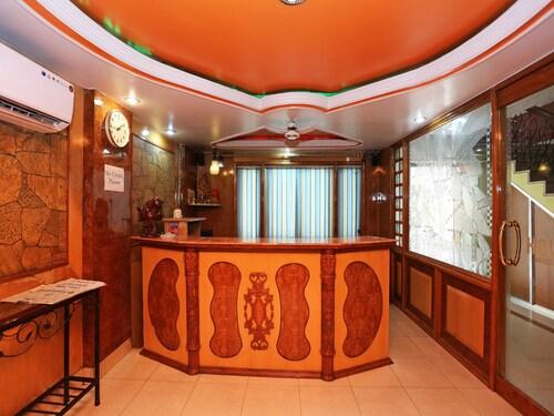 OYO 15468 Hotel Sharda, Raipur