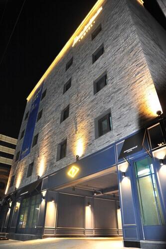 Hotel Dominique, Dongjak