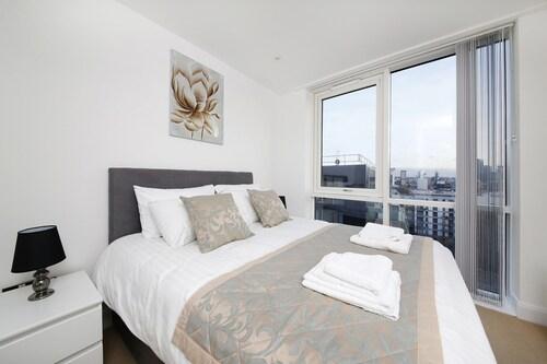 Citadel Apartments Canary Wharf, London