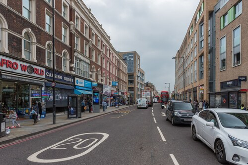 Delightful Dalston Home with Beautiful Balcony, London