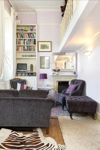 Cosy & Chic Nest 2min From Clapham Common Tube!, London