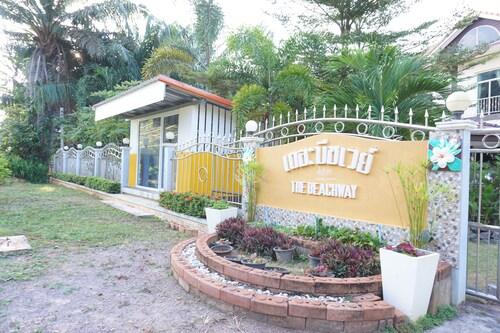 The Beach Way Resort, Pathiu
