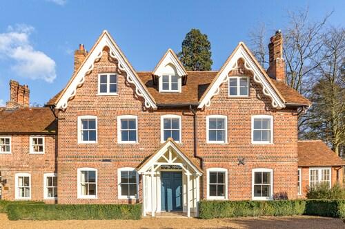 Lawn House, Hertfordshire