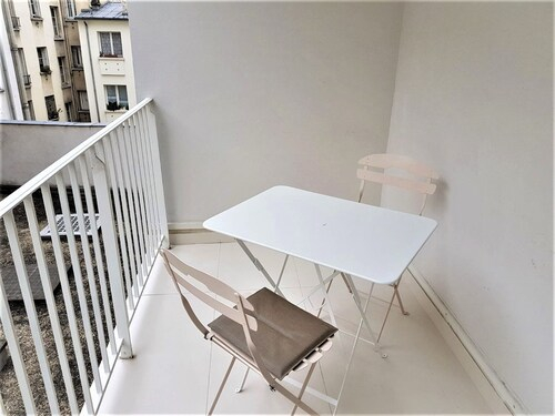 55 m2 with balcony in the 6th arrondiss., Paris