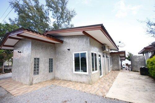 Yaya's House, Tha Mai