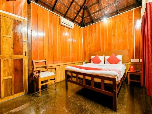 OYO 15962 Green Aura Resort, Alappuzha