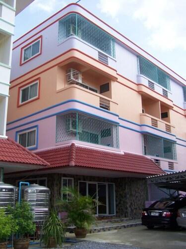 Somsri Apartment, Muang Sing Buri