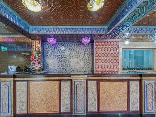 OYO 6112 Hotel Snow Palace, Srinagar